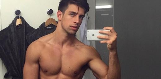 Instagram: 23 sexy fotek fitness modela Ryana Greasleyho