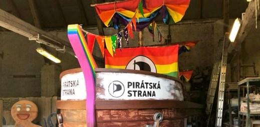 Pirátská strana se zúčastní průvodu Prague Pride 2018. Přichystali duhovou pirátskou loď!