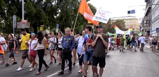 Prague Pride 2018: Průvodu se zúčastnilo 40 000 lidí, cizinců přijelo víc než loni