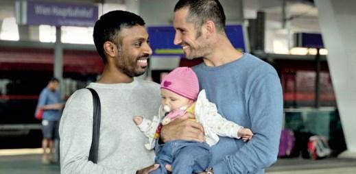 Rakouské dráhy ÖBB podporují gay a lesbické rodiny. Nabídly jim zvýhodněné cestování vlakem
