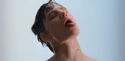 """Christine and the Queens skládá poctu všem, kteří si vydělávají svým tělem v klipu """"5 dollars"""""""