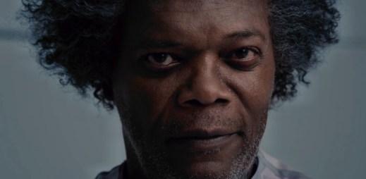 """Nový trailer k filmu """"Skleněný"""": Fantasy thriller, který spojuje dva různé příběhy"""
