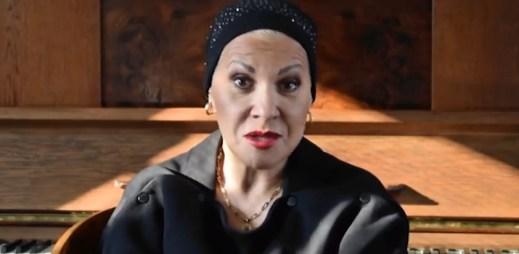 """Operní pěvkyně Dagmar Pecková: """"Podporuji manželství pro gaye a lesby"""""""