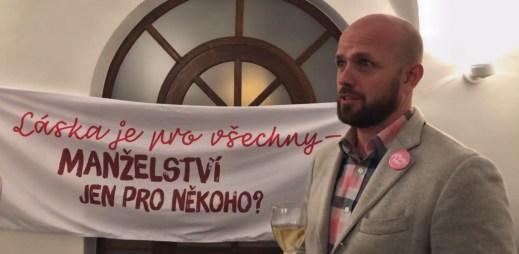 """Czeslaw Walek: """"Je to historický okamžik, poslanci po 11 letech vedli pořádnou debatu o vztazích gayů a leseb"""""""
