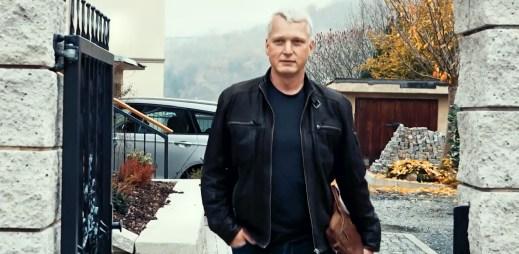 """Gay politik a úspěšný podnikatel Martin Hausenblas: """"Peníze štěstí nepřináší. Můj život se změnil, když jsem se málem zabil v autě"""""""