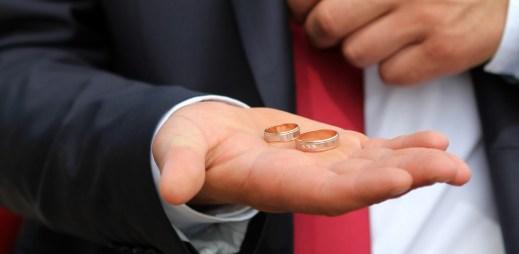Gayové a lesby mohou v Rakousku uzavírat manželství. Ihned na Nový rok toho využil první pár