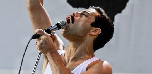 """Freddie Mercury v """"Bohemian Rhapsody"""" lámal rekordy. Je to nejúspěšnější film od roku 1990!"""