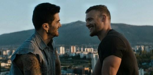 """Gay video vyzývá ke coming outu: """"Buďte takoví, jací jste. Když svoji orientaci přijmete, už nebudete muset lhát!"""""""