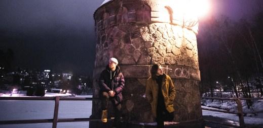 """Paulie Garand a Kenny Rough natočili videoklip """"Srdce z ledu"""" ze zasněženého Liberce"""