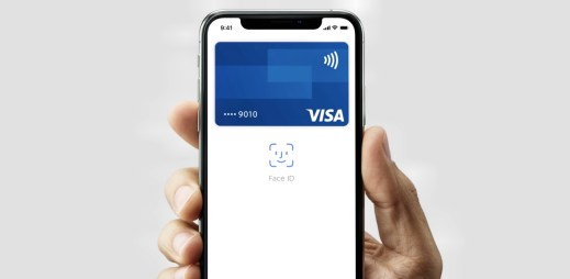 Apple Pay konečně podporují české banky! Platba v obchodech od teď bude mnohem snadnější