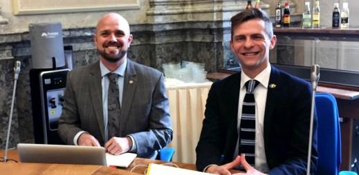 Rada vlády ČR pro lidská práva podpořila manželství gayů a leseb