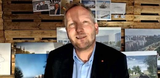 """Úspěšný podnikatel a politik Petr Stuchlík vyzývá poslance: """"Hlasujte pro manželství gayů a leseb"""""""