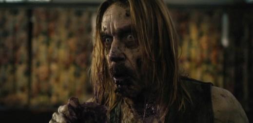 """Trailer k filmu """"Mrtví neumírají"""": Zombies vylézající z hrobů si pro vás přijdou"""