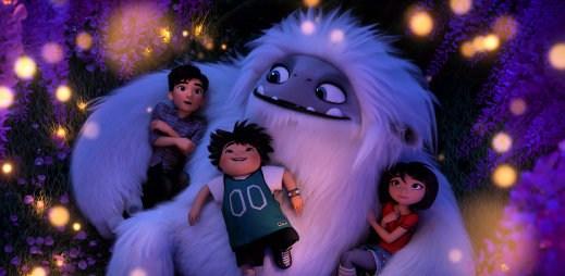"""Nový trailer k filmu """"Sněžný kluk"""": Podaří se Yetimu najít cestu domů?"""