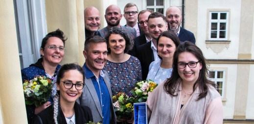 Ceny beProud za rok 2018: Dva tátové, manželství pro gaye a lesby a brněnská legenda Richard Sehnal