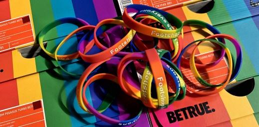 """Footshop podporuje Gay Pride: """"Tolerance, otevřenost a respekt ke všem!"""""""