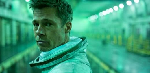 """Trailer k filmu """"Ad Astra"""": Brad Pitt objevuje na okraji sluneční soustavy tajemství, které zpochybňuje povahu lidské existence"""