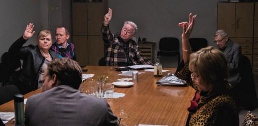 """Nový trailer k filmu """"Vlastníci"""": Komedie pro ty, kdo to nezažili. Drama pro ty, kdo tím žijí"""