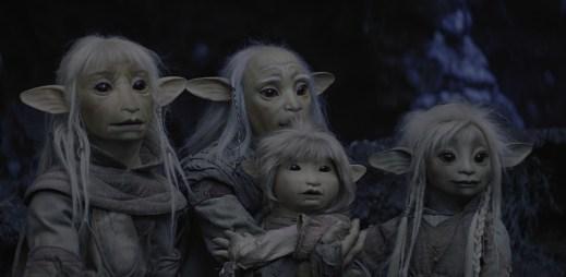 """V novém seriálu """"Temný krystal: Věk vzdoru"""" má hlavní hrdinka dva táty. Netflix ukazuje, že mít dvě mámy nebo táty je naprosto normální!"""