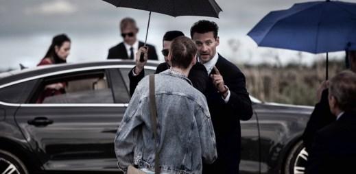 """Nový trailer k filmu """"Sviňa"""": Mafie bílých límečků a organizovaný zločin ve vysoké politice"""