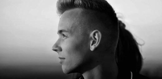 """Mladý zpěvák Timmy White vydal nový videoklip """"Never Stop Trying"""""""