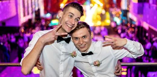 Ohrozí COVID-19 konání oblíbeného plesu pro gaye Queer Ball 2021?