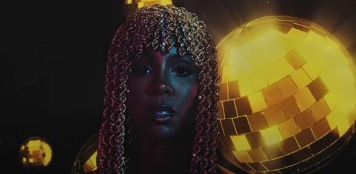"""Zpěvačka Kelly Rowland vydala nový singl """"Crazy"""", který vám v těchto dnech zlepší náladu"""