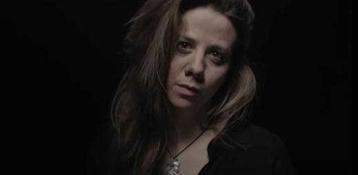 """Aneta Langerová v novém klipu """"Bílý Den"""" vzkazuje, že záleží jen na nás, jaký život prožijeme"""
