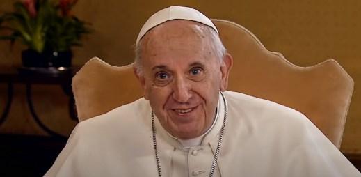 Papež František poprvé podpořil registrované partnerství pro gaye a lesby