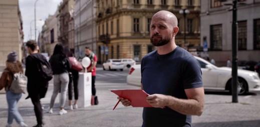 """Nový film """"Zákon lásky"""" o manželství pro gaye a lesby v Česku. Ve sněmovně zaznívaly absurdní debaty, vzpomíná režisérka"""