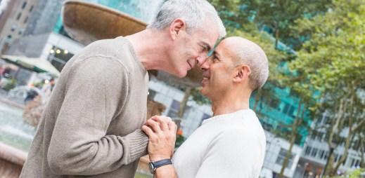 Koho volit? Jděte k volbám a kroužkujte tyto kandidáty, kteří podporují manželství pro gaye a lesby